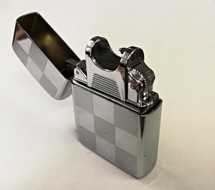 Plazmový USB zapaľovač - strieborný -  4e6f78699f9