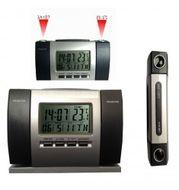 Digitálny budík s duálnou projekciou času a teploty